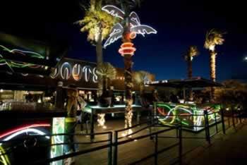 coconuts estivo street bar