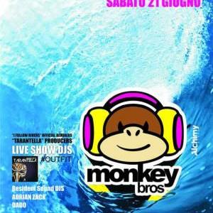 Monkey Bros al Beach Cafe Riccione