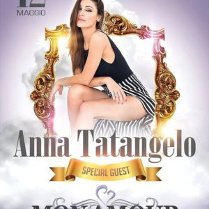 Anna Tatangelo arriva al Mon Amour Rimini
