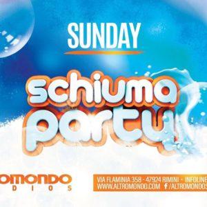 Domenica si balla! All'Altromondo Studios torna lo Schiuma Party.